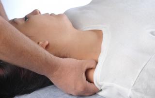 גבעון פלד מומחה להפגת כאבי ראש, כאבי כתפיים והקרנות לזרועות