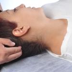 גבעון פלד מטפל בכאבי ראש, כאבי כתפיים, כאבי גב עליון, כאבי חזה, וכאבים בזרועות